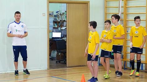 Игрок воронежского «Факела» провел мастер-класс в московской школе