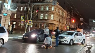 Таксист сбил пенсионерку в центре Воронежа