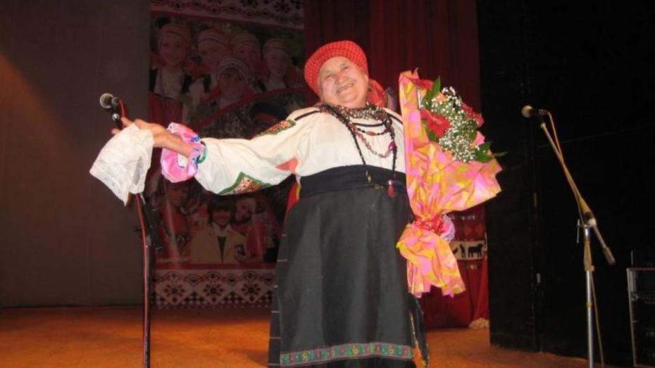 В Воронежской области умерла частушечница, владевшая уникальной техникой пения