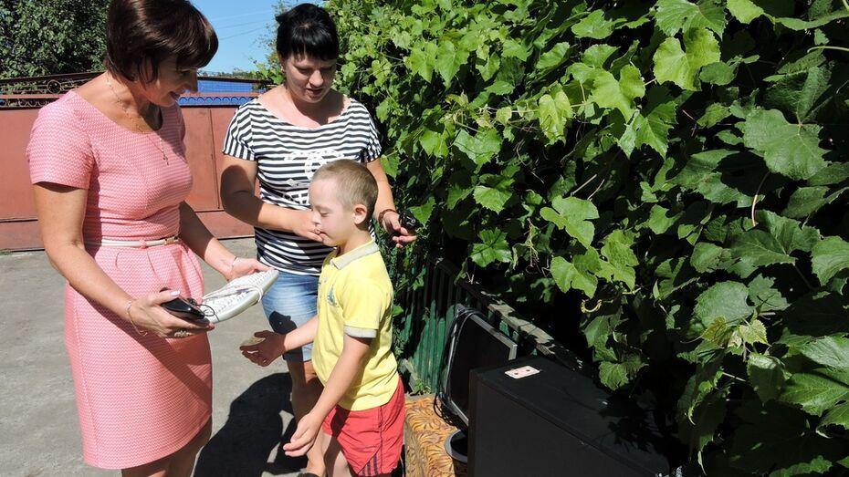 В Кантемировском районе 80 семей получили помощь при подготовке детей к школе