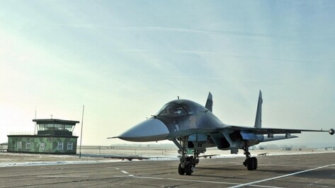 Воронежские Су-34 разбомбили  технику условного противника ночью