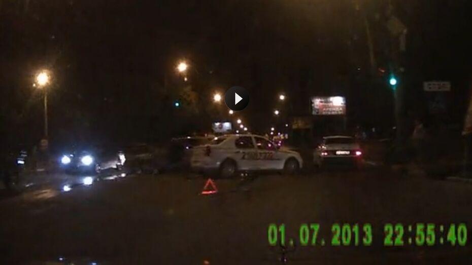 ДТП с участием 7 машин произошло возле Птичьего рынка в Воронеже