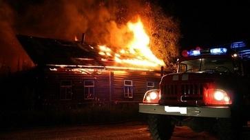 В семилукском селе молния подожгла жилой дом