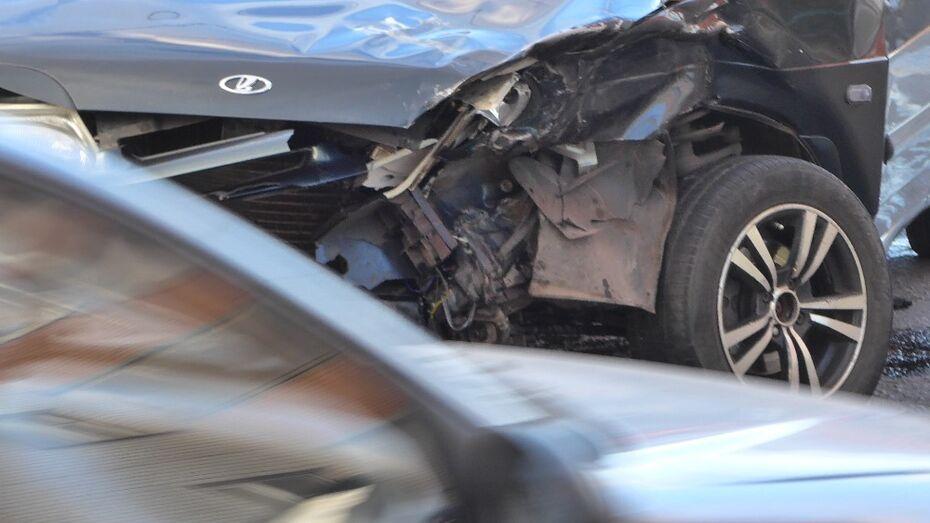 В Воронежской области мужчина погиб в ДТП с пассажирским автобусом