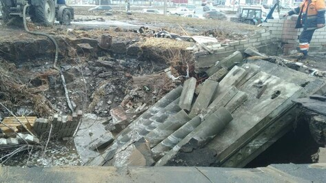 В Коминтерновском районе Воронежа без воды остались школы и детские сады