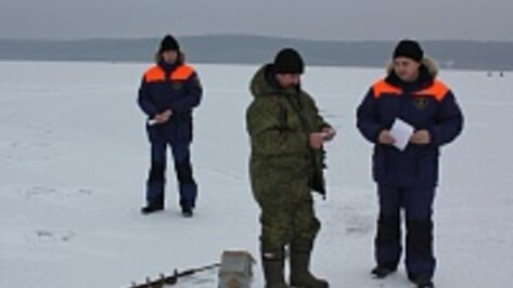 Спасатели провели рейд по Воронежскому водохранилищу