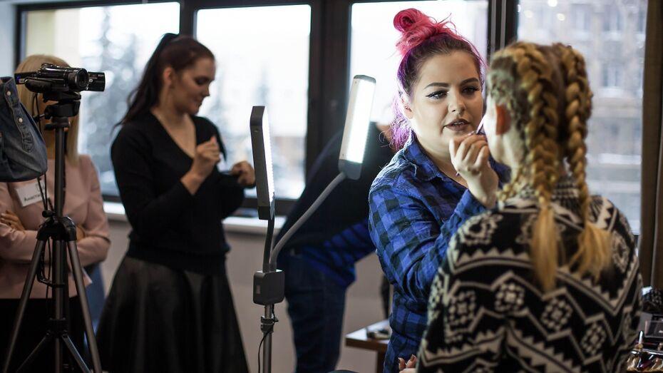Команда Studio44 организовала мастер-класс визажиста Анастасии Макеевой в Воронеже