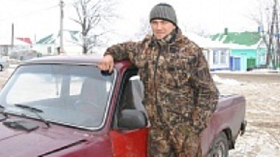 21-летний лискинец спас прохожего от грабителей и задержал одного из преступников