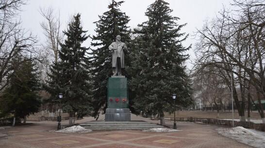 Памятник Ленину в Павловске отремонтируют за счет недобросовестного подрядчика