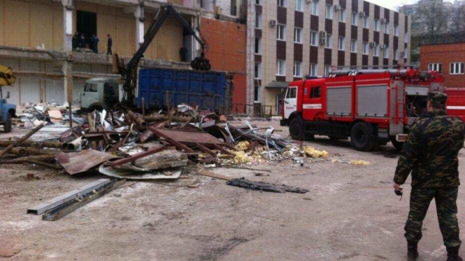 Воронежские спасатели потушили пожар в «Центральном доме мебели»