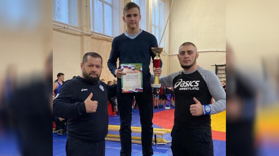 Лискинский спортсмен завоевал «серебро» на первенстве ЦФО по панкратиону
