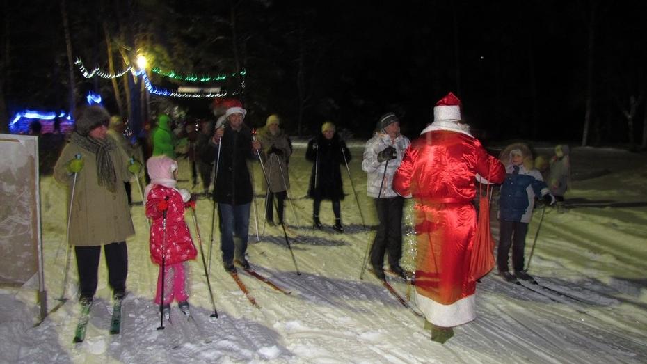 Репьевские спортсмены встретили Новый год на лыжах