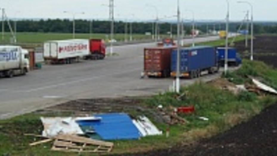 В Верхнемамонском районе на трассе «Дон» снесли незаконные постройки