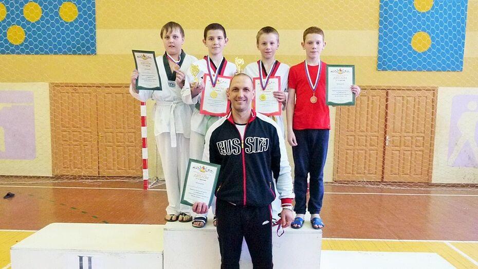 Калачееевские тхэквондисты стали призерами на областном первенстве