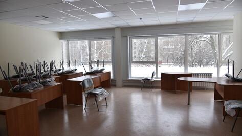Воронежским школам рекомендовали уйти на каникулы 25 марта