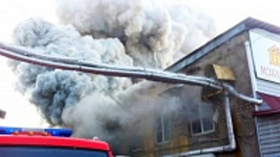 В Воронеже горели склады на улице Чапаева