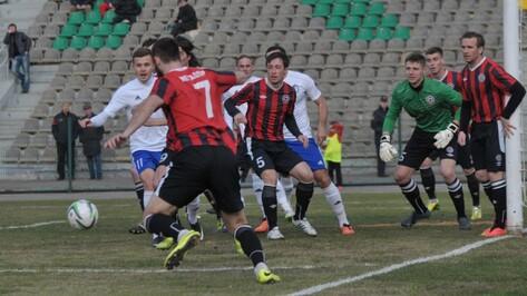 Воронежский «Факел» возобновил футбольный сезон ничьей в Липецке