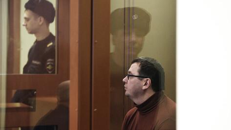 Подозреваемому в коррупции экс-ректору воронежского вуза смягчили обвинение