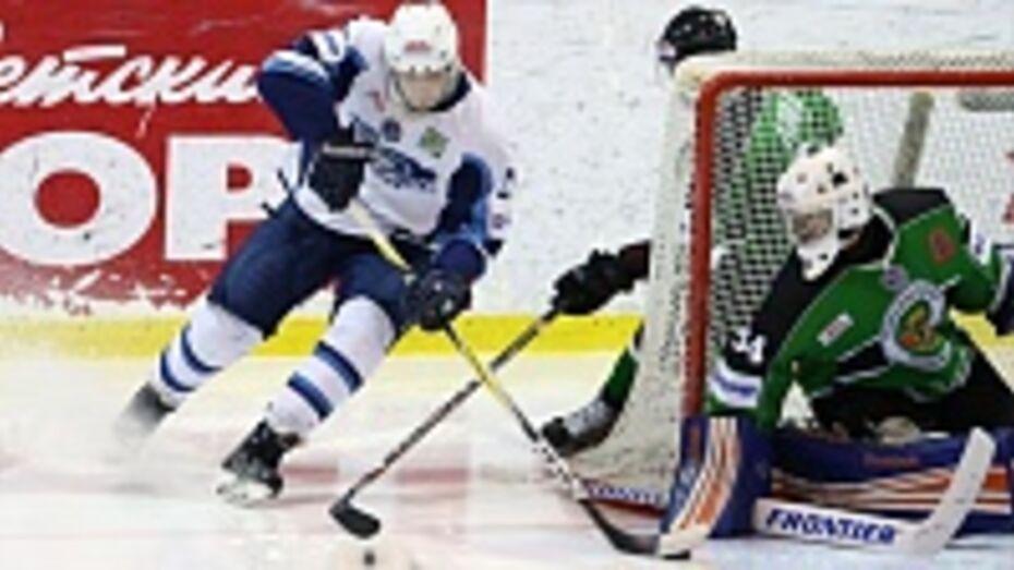 Хоккейный клуб «Россошь» на своей площадке крупно уступил ХК «Зеленоград»
