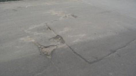 В Острогожске начался ямочный ремонт дорог