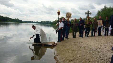 В Верхнем Мамоне верующие совершили крестный ход, посвященный 1025-летию крещения Руси