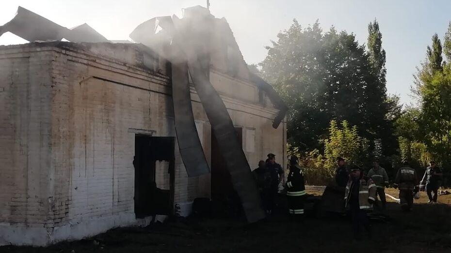 Стали известны подробности пожара на избирательном участке в Воронежской области