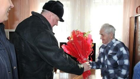 В Каширском районе поздравили освободителей Воронежа
