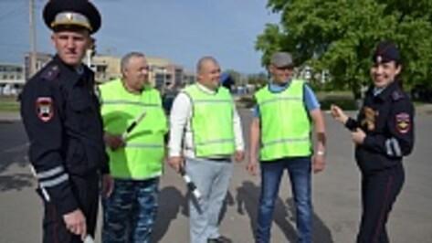 Павловчанин более пятнадцати лет добровольно помогает сотрудникам ДПС наводить порядок на дорогах