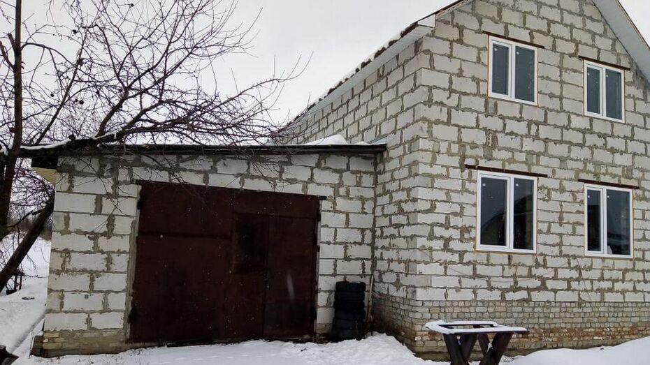 Под Воронежем в гараже нашли тела двух мужчин
