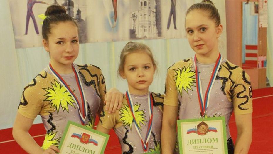 Семилукцы стали призерами всероссийских соревнований по акробатике