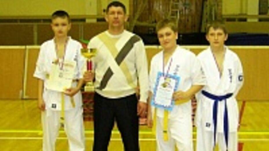 Кантемировские спортсмены завоевали первое общекомандное место на областных соревнованиях по стилевому каратэ