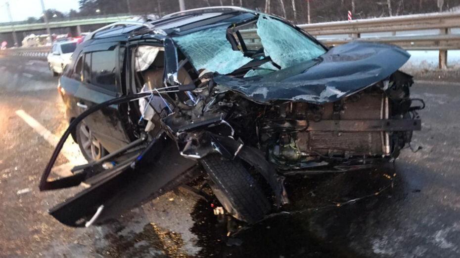 В массовом ДТП с автогрейдером под Воронежем погиб мужчина