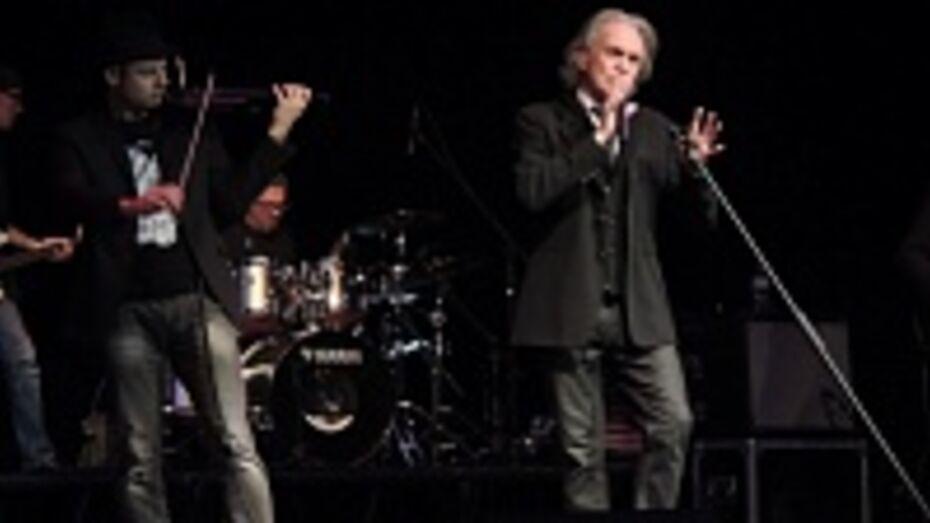 Риккардо Фольи на концерте в Воронеже чуть не потерял штаны