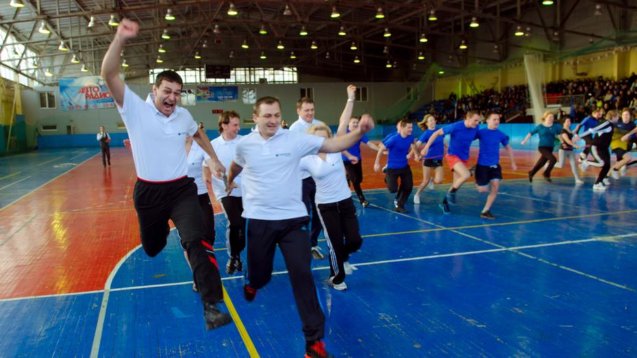 Воронежские офис-менеджеры занялись силовым многоборьем