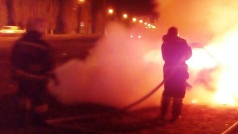 В Воронеже ночью сгорел торговый павильон