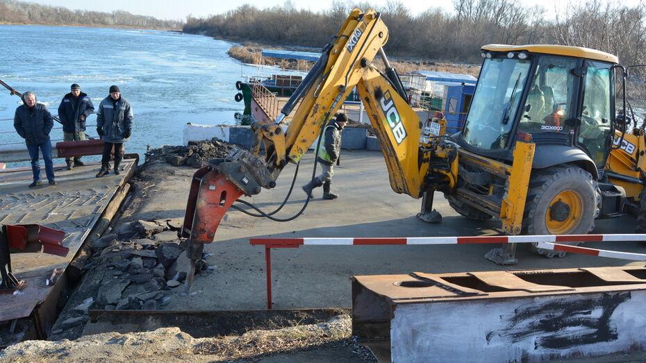 Движение по понтонному мосту в Богучарском районе закрыли