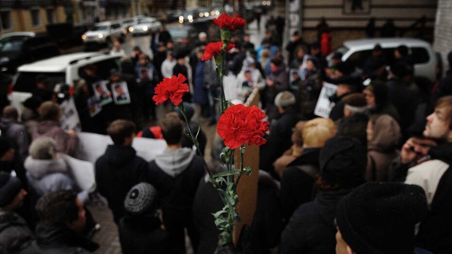 Полиция начала проверку по нападению на участников митинга памяти Немцова в Воронеже