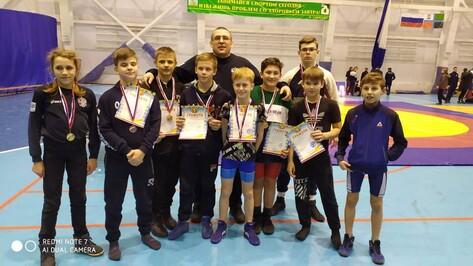 Эртильцы завоевали 5 золотых медалей в межобластном турнире по вольной борьбе