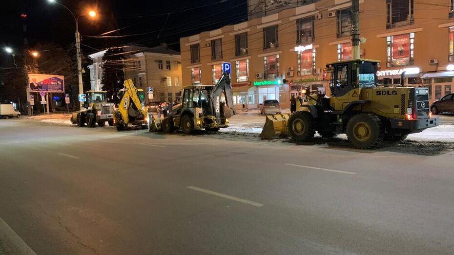 Автомобилистов предупредили об утренней «снежной каше» на дорогах Воронежа