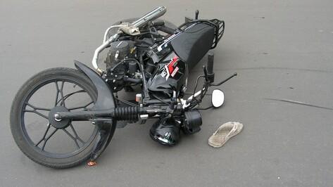 17-летний скутерист пострадал в ДТП в Павловском районе