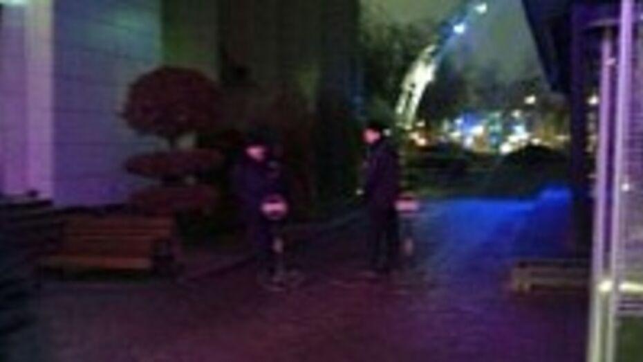Воронежская полиция проверила сообщение о подозрительном чемодане на улице Платонова