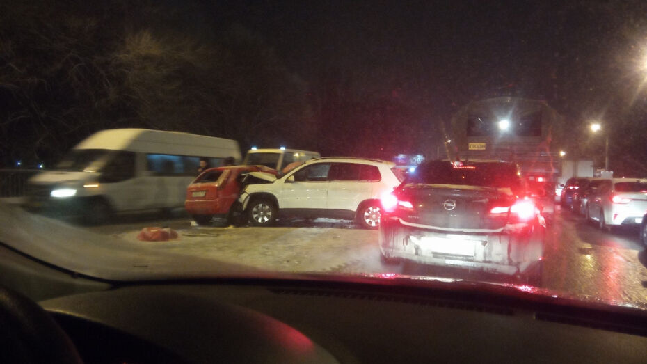 В Воронеже из-за ДТП погибла 25-летняя девушка-водитель