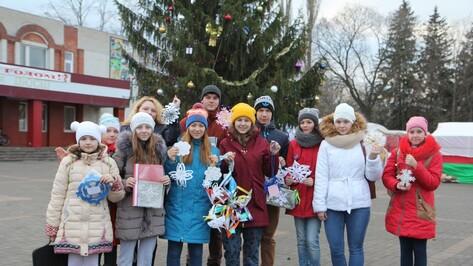Журналисты и школьники провели акцию «Снежинки добра»
