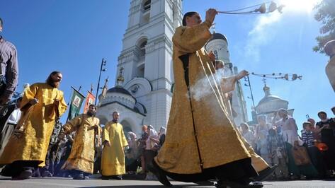 Участники крестного хода из Воронежа в Задонск помолятся о мире на Украине
