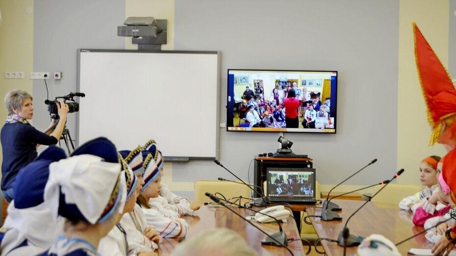 Бутурлиновские и воронежские школьники провели онлайн-встречу Масленицы