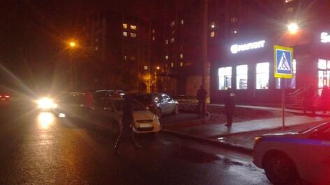 В Воронеже на пешеходном переходе сбили 2-летнего мальчика в коляске