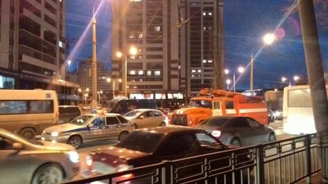 В центре Воронежа в ДТП попала ехавшая на вызов пожарная машина