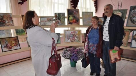 В павловском селе открылась персональная выставка местного художника