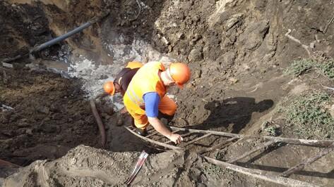 Три точки подвоза воды организовали для пострадавших из-за прорыва у мини-рынка в Воронеже
