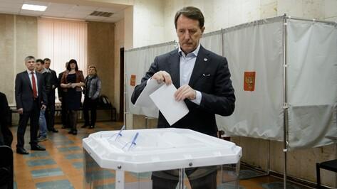 Воронежский губернатор проголосовал на праймериз «Единой России»